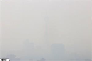برج میلاد تهران در میان آلودگی هوا