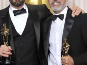 Argo-Oscars2 (حسن کچل و دیوان حافظ ؛ وقتی از تهیه کننده آرگو یک هفته مدام در تلوزیون فیلم پخش می کنیم!)