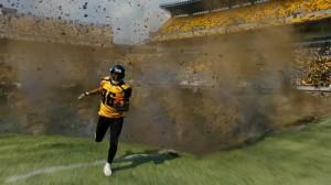 انفجار در ورزشگاه پشت سر ورزشکاری که می دود یکی از هیجان انگیزترین صحنه های فیلم بتمن بود
