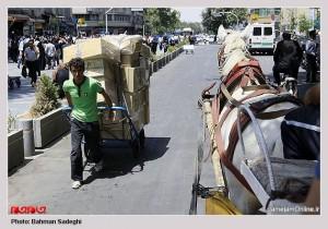 پیاده سازی بازار و آورد درشکه و ساختن طاق نما برخورد توریستی با ستون فقرات اقتصاد تهران نیست؟