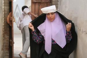 خانه پدری کیانوش عیاری (ویترین سینمای ایران: روزنوشت جشنواره فیلم فجر سی و دو)