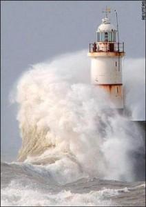 در میان طوفان ها به چه کسی پناه ببریم؟